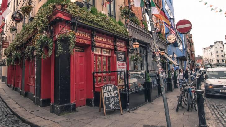 Irish pub in neighborhood