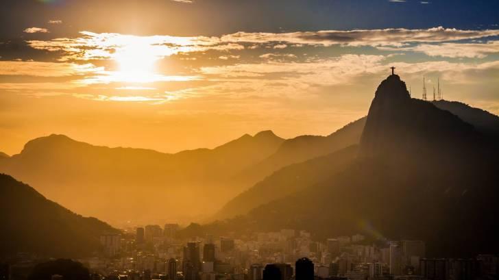 rio sun set looking over mountains
