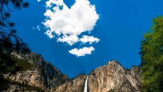 yosemite mountain with beautiful sky and cloud